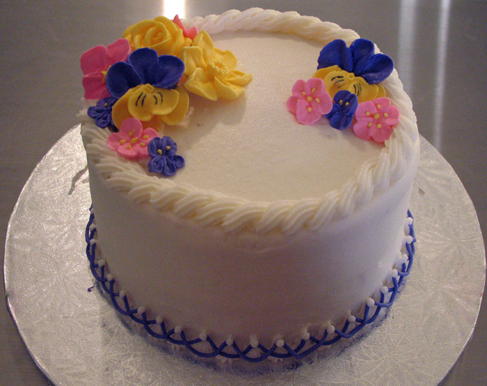 Cake With Royal Icing Flowers : Royal Icing Flowers Cake - Around the World in 80 Cakes