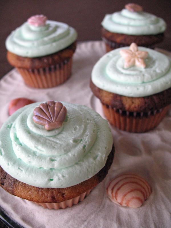 seashell beach cupcakes