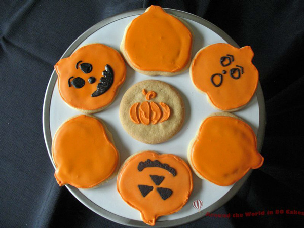pumpkin-halloween-cookies