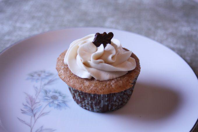 frosted cupcake - masala chai recipe
