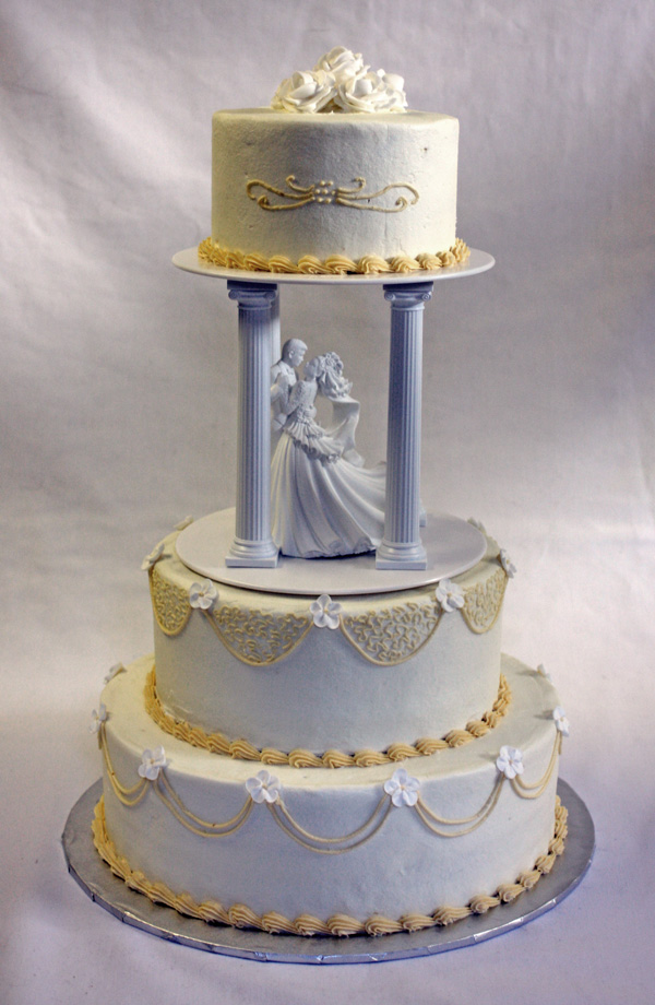 wedding cakes traditional traditional wedding cake in ivory and white 25748
