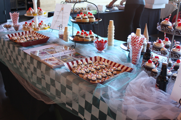Cupcake-Bowl-Cozze-Cakes_wo
