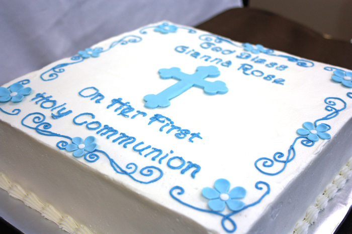 Holy-Communion-Cake-closeup-edited
