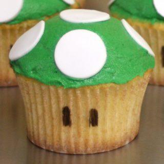 Super Mario 1-up Cupcake