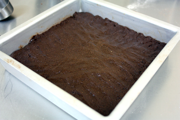 Vegan-Brownies-pour-into-pan