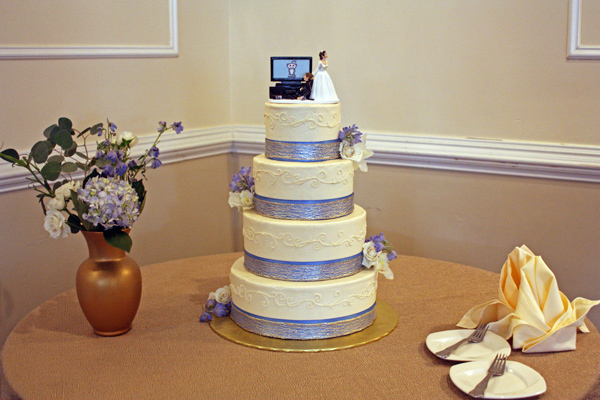 Bill-and-Sarah-Wedding-Cake-2