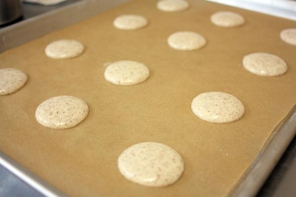 Hazelnut Macaron - piping the macaron