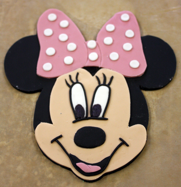 Minnie-Mouse-Cake-Topper-Part-8