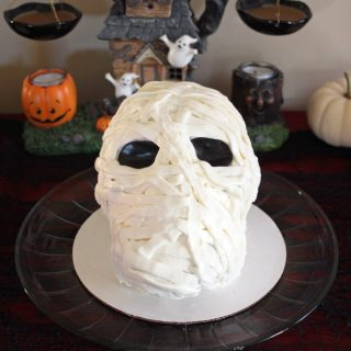 Mummy Cake for Halloween