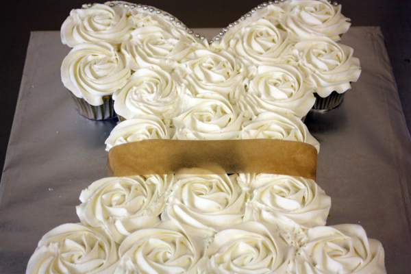 wedding dress cupcakes
