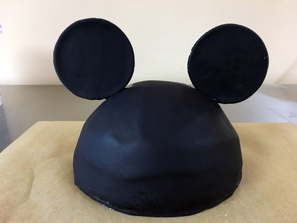 Mickey Mouse Cake Topper step 5