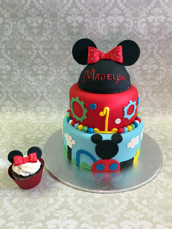 Minnie Mouse Birthday Party Cakes