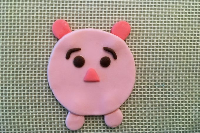 piglet cupcake topper